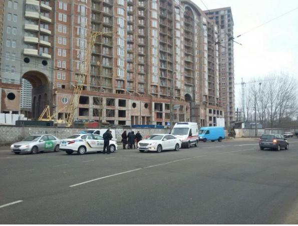 На проспекте Соборности в Киеве на два дня закрыли движение троллейбусов