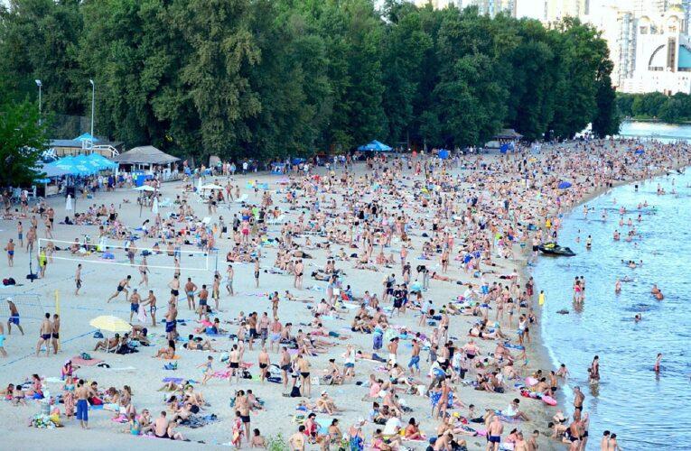 В Киеве запретили купаться на всех пляжах